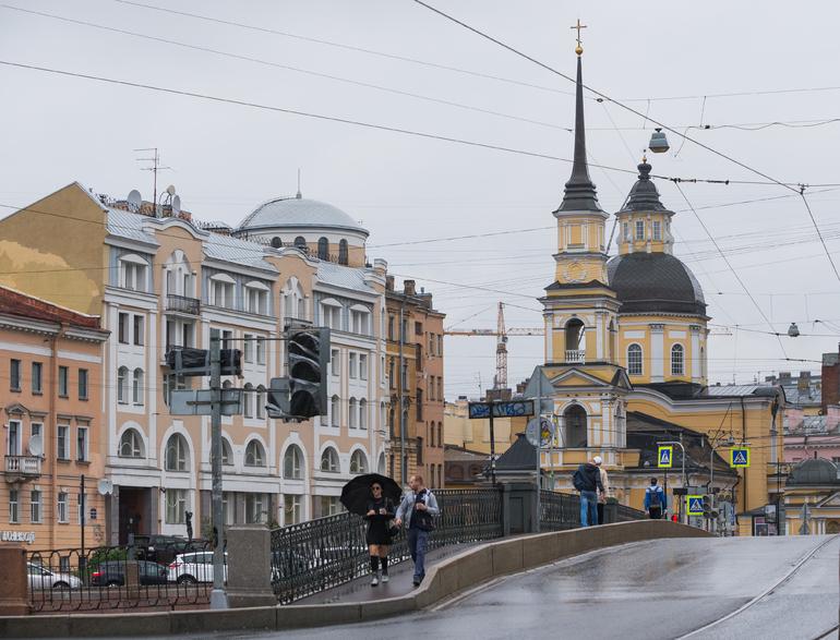 Петербург вошел в тройку лучших городов России для построения карьеры