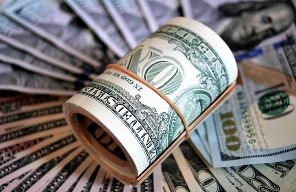 Россиянам объяснили, в каком случае доллар будет стоить 30 рублей
