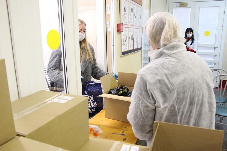 В Петербурге раздали более 210 тысяч продуктовых наборов с начала пандемии