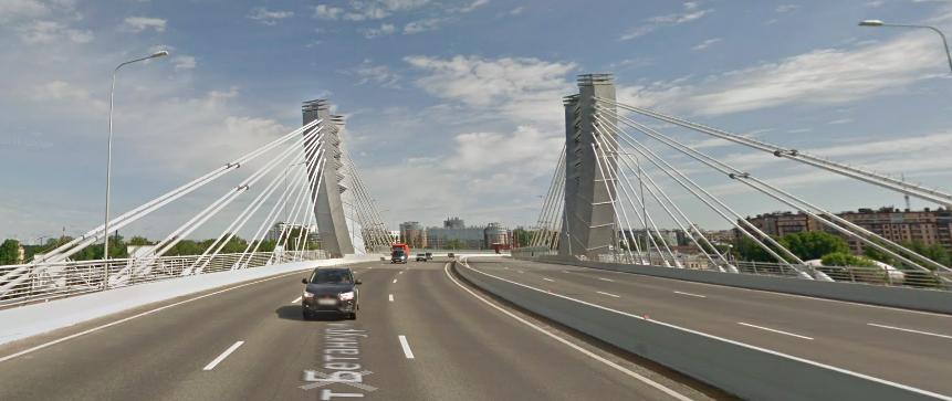 Под мостом Бетанкура нашли тело мужчины