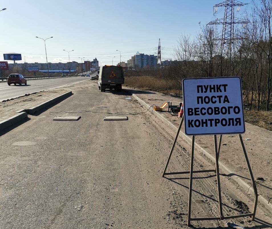 В Ленобласти местных жителей попросят фотографировать перегруженные грузовики