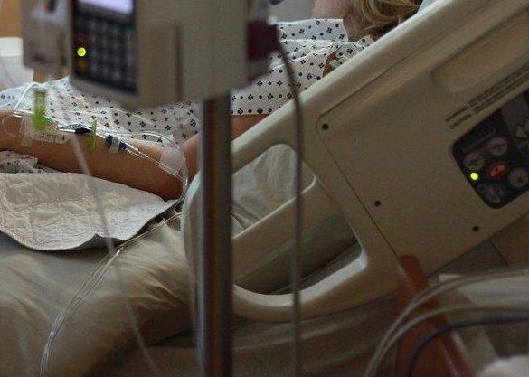 Скандальная пара побила работника больницы в Выборге