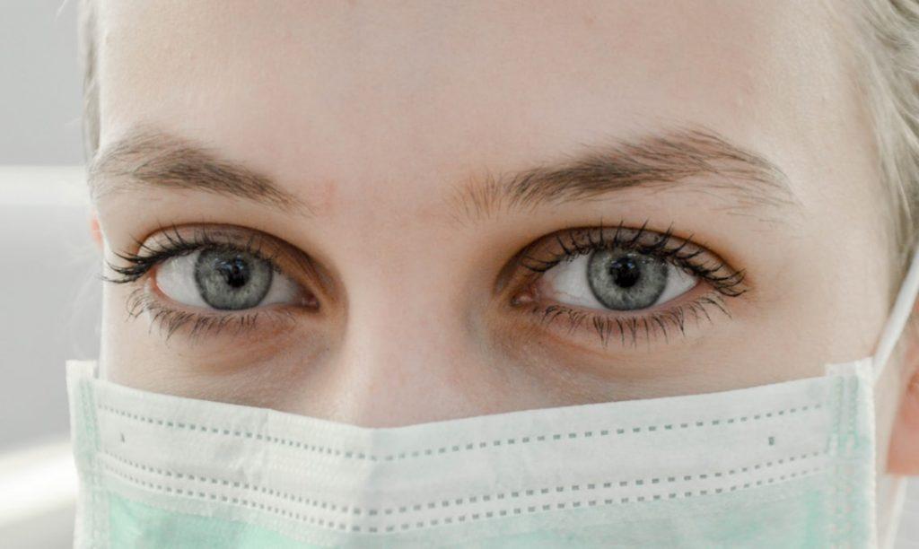 Ученые предупредили, что бессимптомная передача коронавируса может происходить в 70% случаев