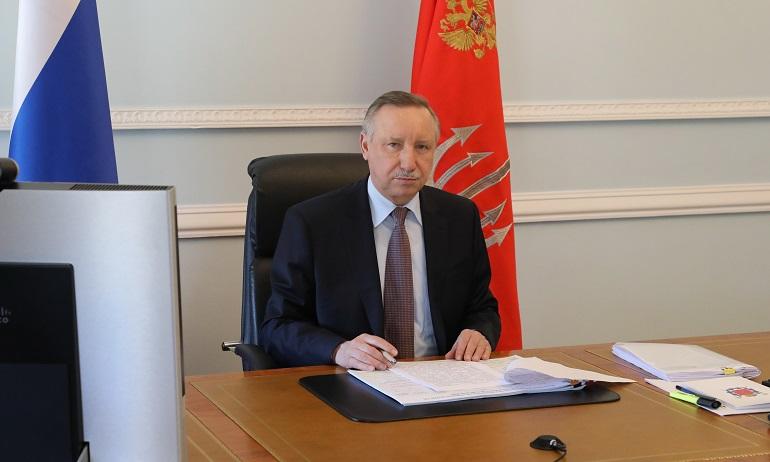 Беглов отказался открывать парки и скверы в Петербурге