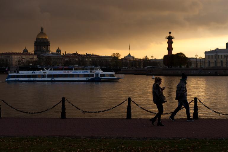 Индекс самоизоляции в Петербурге упал до 2,5 баллов