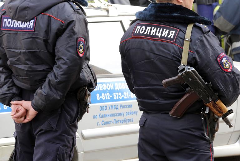 В офисе банка в Москве мужчина захватил заложников