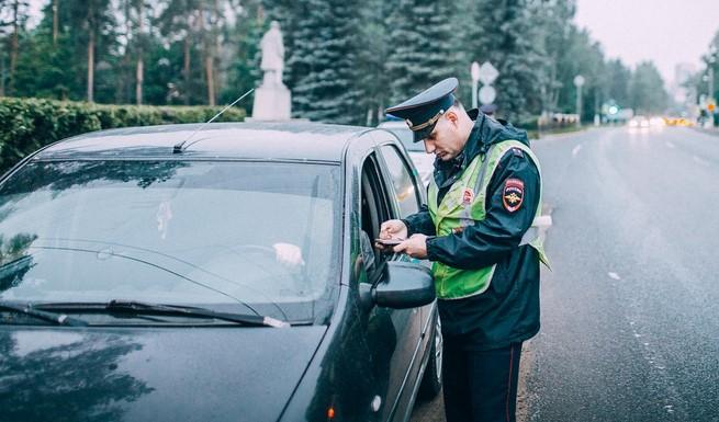 В ноябре жители Петербурга более 150 тысяч раз нарушили правила дорожного движения