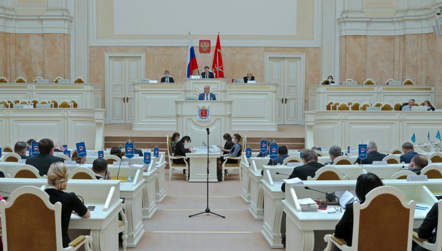 Рынок труда Петербурга станет прозрачнее для горожан, а информация о вакансиях — доступнее