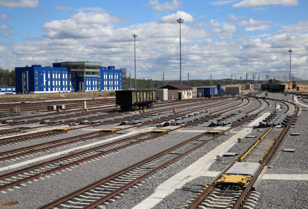 Пять поездов прибыли в Петербург с задержкой из-за аварии под Чудово