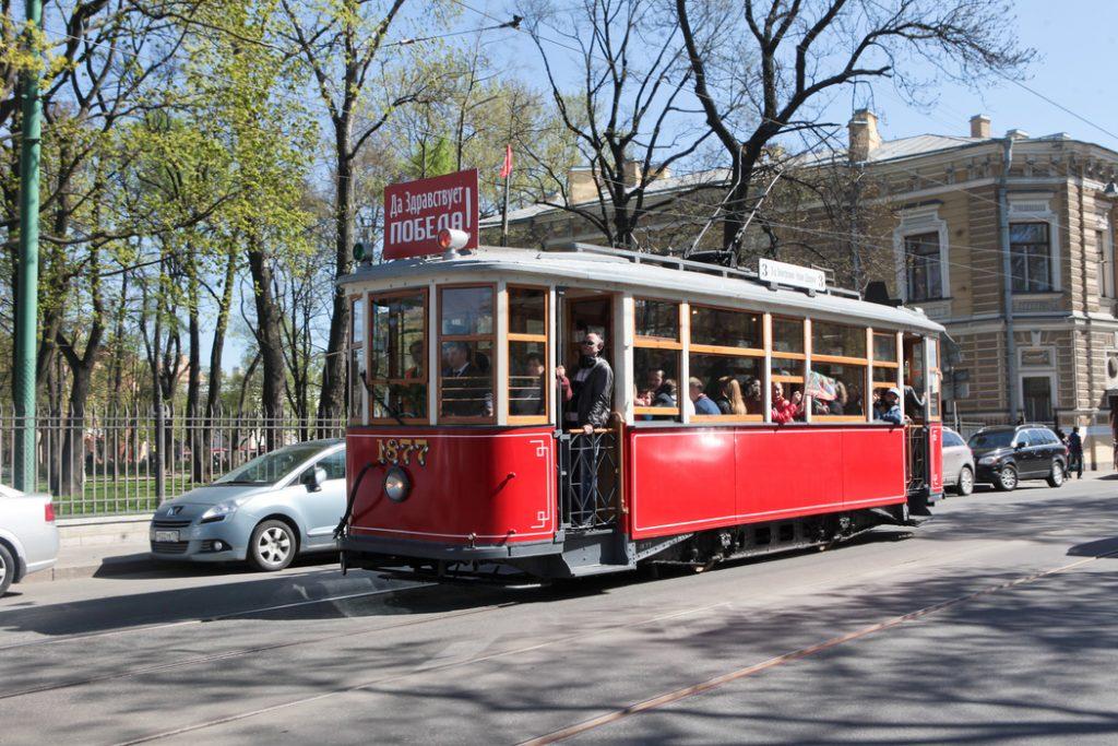 Новая транспортная модель Петербурга: ретротрамваи и ИТ-технологии