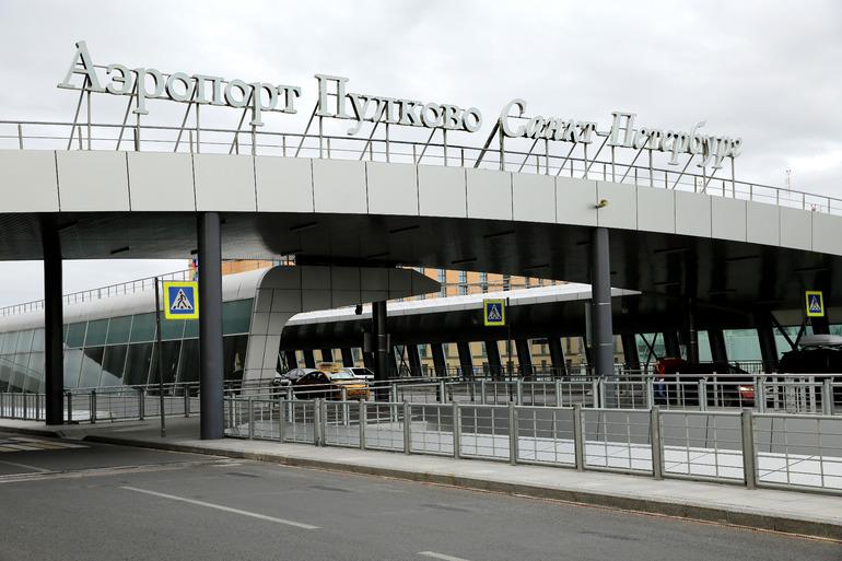 В Пулково в воскресенье отменили более десятка рейсов