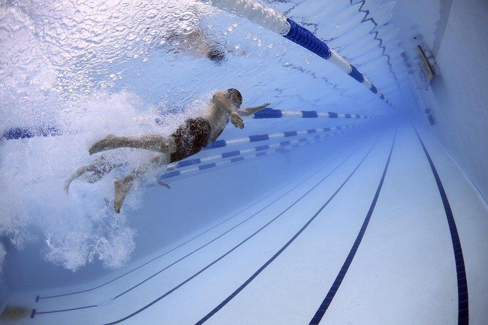 Бассейн в жилом доме, отравление в фитнес-клубе, смертельно опасный аквапарк: «водные объекты» Петербурга