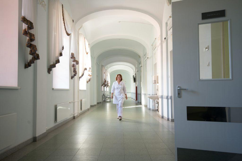 В Комздраве Петербурга рассказали о количестве свободных коек в инфекционных госпиталях
