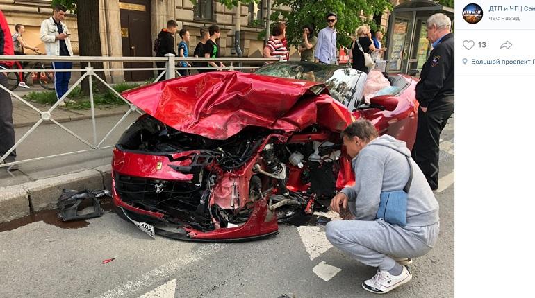 В ДТП в центре Петербурга пострадали три человека