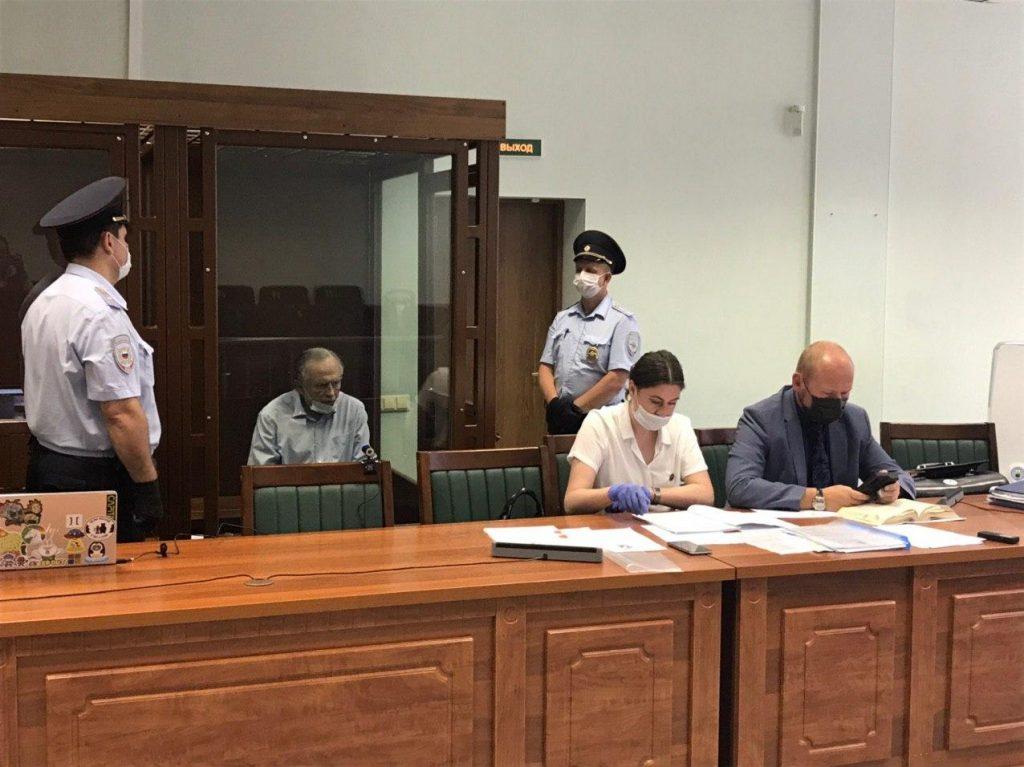 Историк Соколов устроил истерику в суде и обвинил Ещенко в гнусных словах