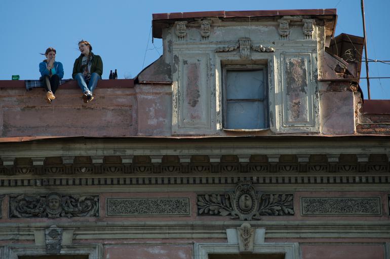 Экскурсии по крышам — реальная опасность? В Петербурге организатор высотной прогулки выстрелил в коллегу, не желая делить с ним клиентов