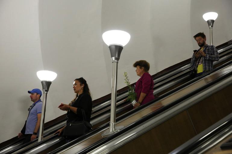 В метро Петербурга изменились правила перевозки детских колясок
