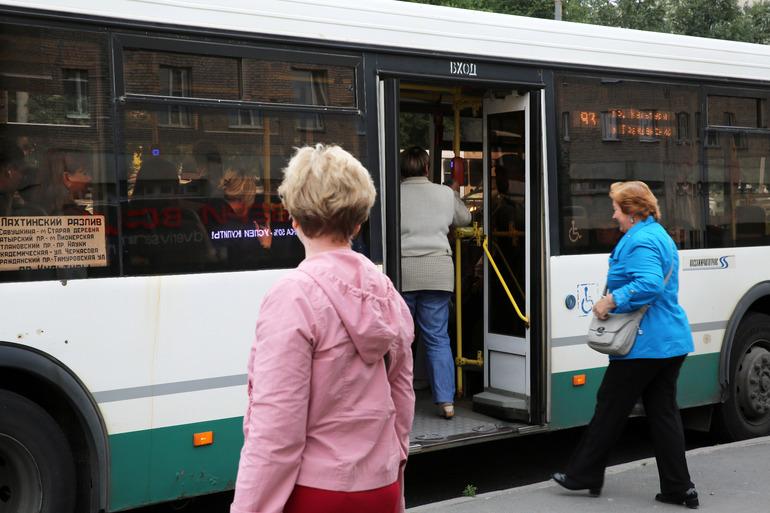 Смольный готовит новый сценарий для транспортной реформы