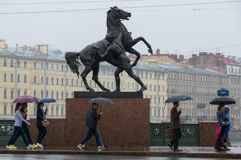 Понедельник в Петербурге будет дождливым и ветреным