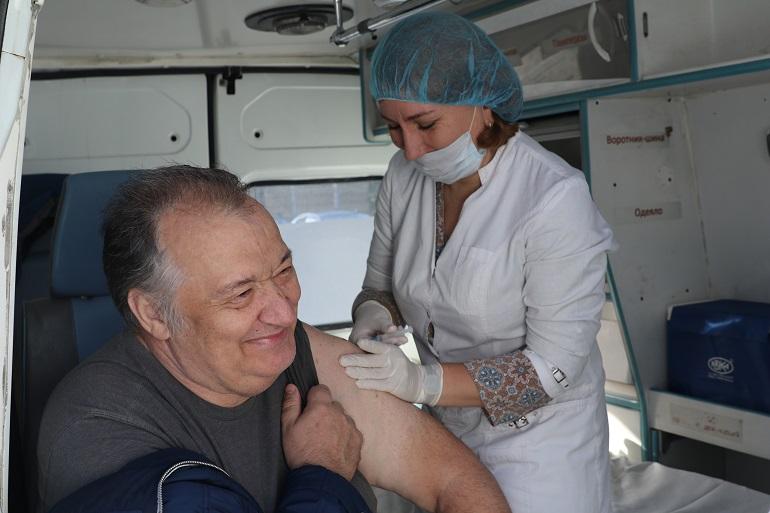 Почти 3 млн петербуржцев будут привиты от гриппа