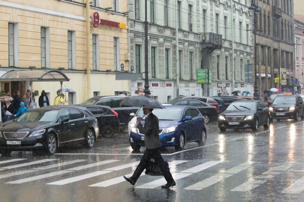 В субботу жителей Петербурга ждет мощный ливень