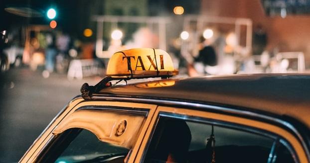 В Петербурге труп таксиста возили в багажнике автомобиля