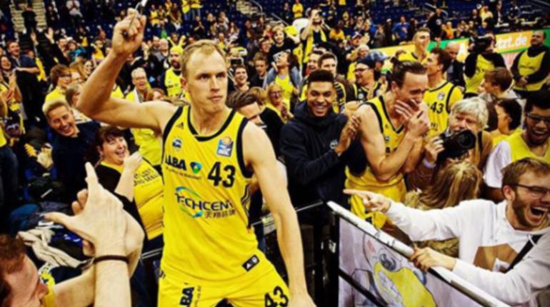 Баскетбольный «Зенит» хочет купить Люка Сикму