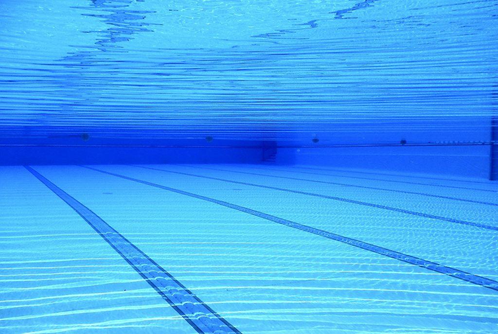 В Петербурге 10-летний мальчик домогался 8-летнего ребенка в бассейне