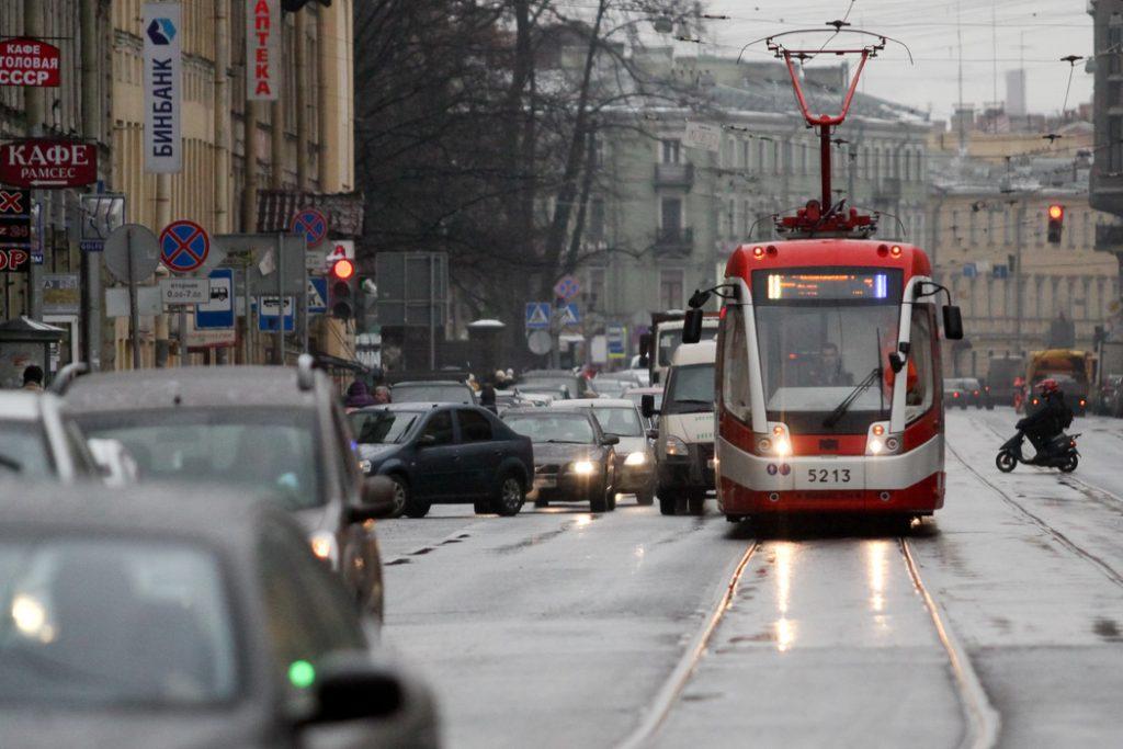 В Петербурге с 13 июля вернутся к работе еще 6 маршрутов общественного транспорта