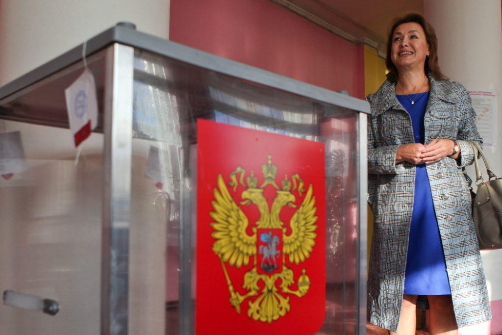 В Петербурге открылись избирательные участки