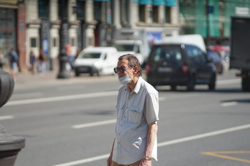 Гинцбург назвал причины роста заболеваемости COVID-19 летом