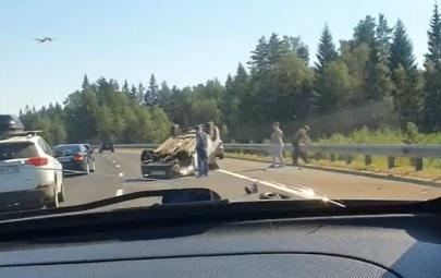 На Новоприозерском шоссе произошло два ДТП с расстоянием в километр