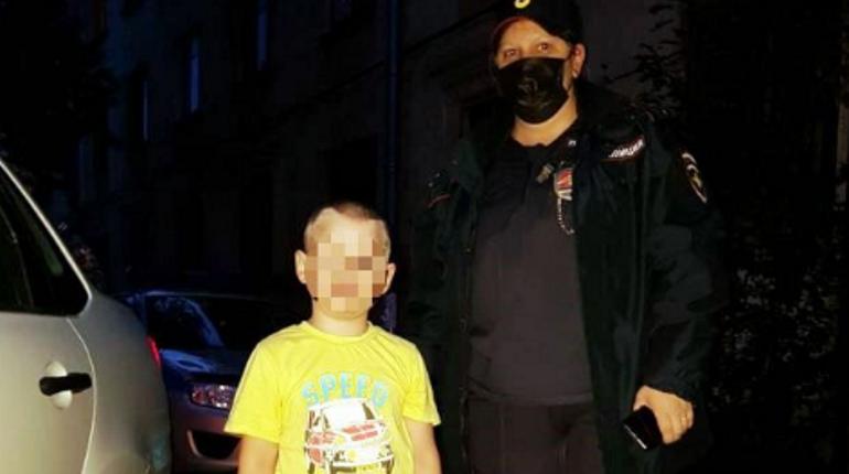 Пьяная петербурженка потеряла сына, его несколько часов искала вся полиция района