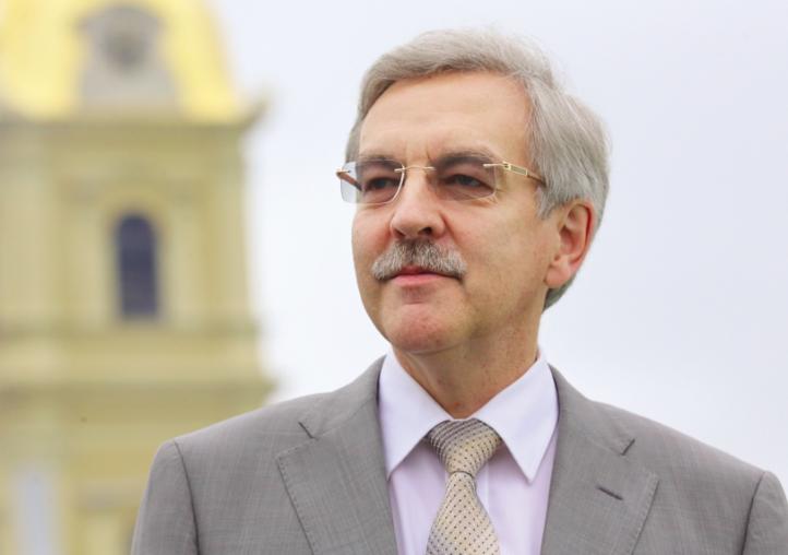 Петербургский омбудсмен попросил МВД оценить действия полицейских по задержанию участников акций солидарности с Хабаровском