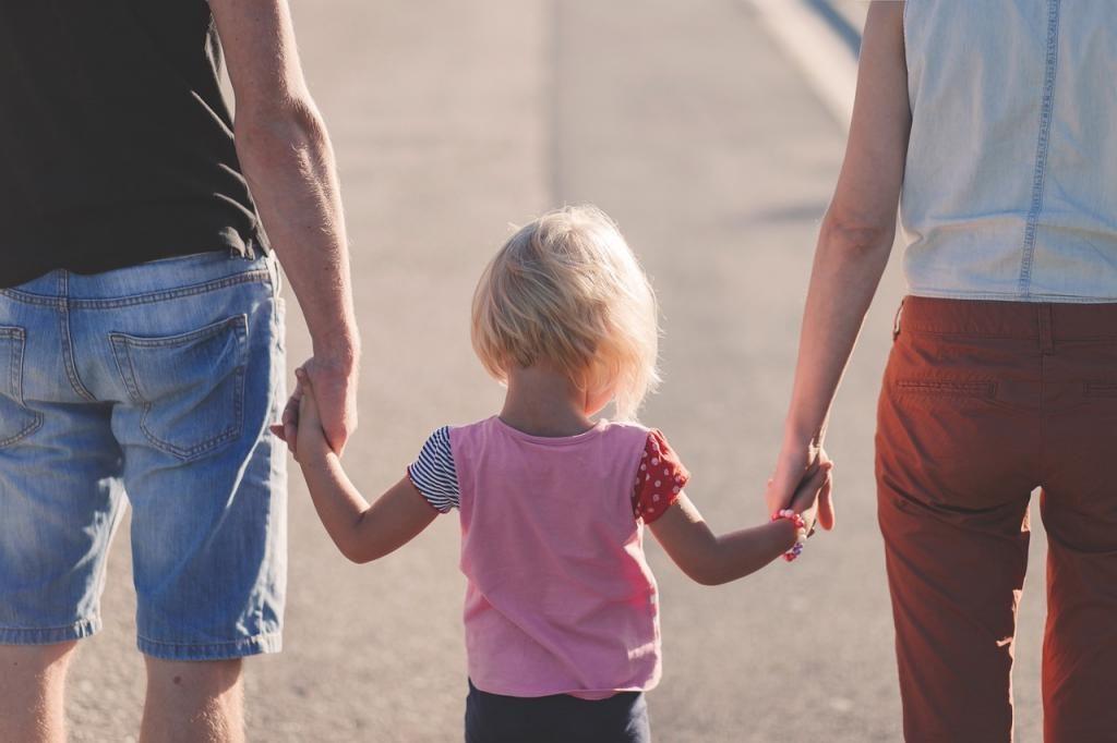 Российские семьи получат выплаты на детей после 17 августа