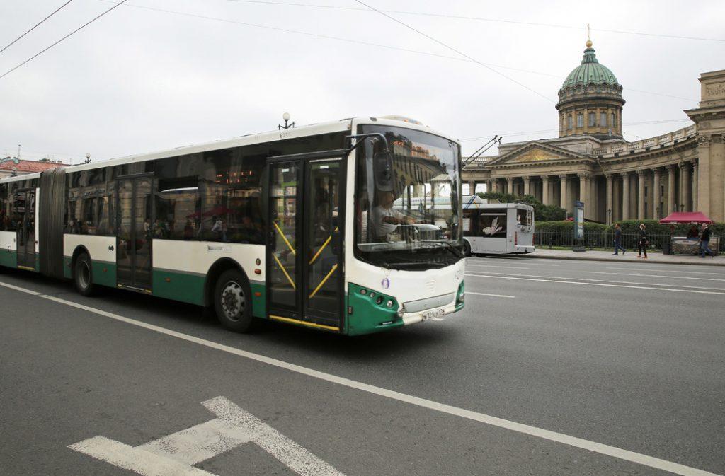Эксперты рассказали, как война с маршрутками повлияет на транспортную доступность районов Петербурга