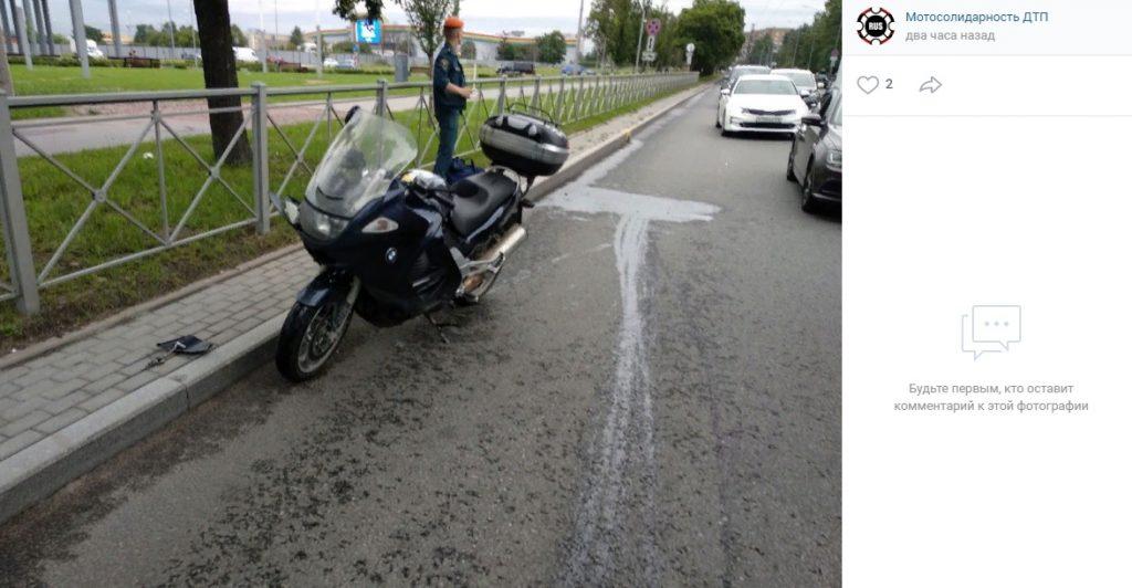 В результате ДТП на Бассейной серьезно пострадал мотоциклист