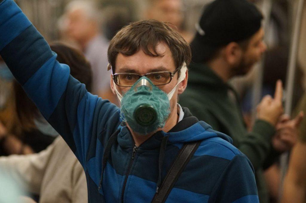За сутки коронавирус подхватили еще 705 петербуржцев
