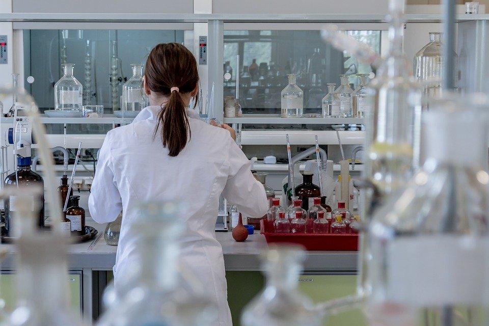 «Вектор» запланировал массовый выпуск вакцины от COVID-19 на ноябрь