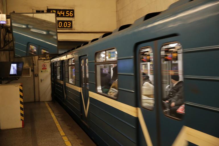 В метро Петербурга не будет «масочных рейдов»