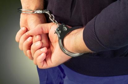 На Нарвском проспекте задержали жителя Мурманска с пистолетом и патронами