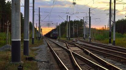 В Петербурге следователи проверяют инцидент с 16-летним мигрантом, попавшим под поезд