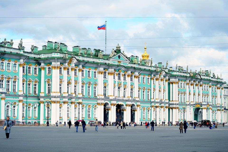 В честь Дня Эрмитажа на Дворцовой площади покажут световое 3D-шоу