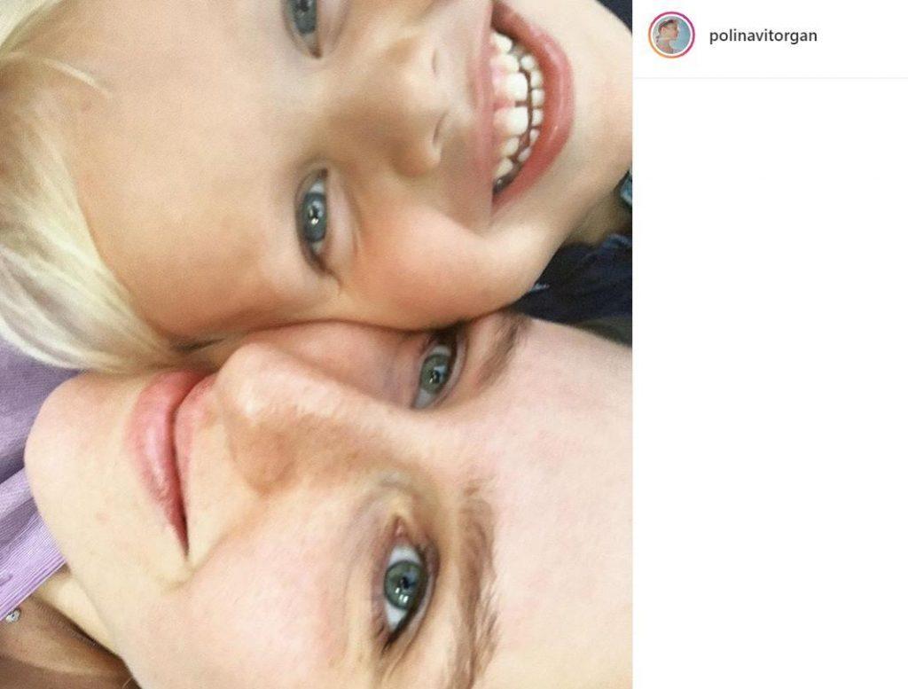 Дочь Виторгана умилила поклонников фотографией с 3-летним братом Платоном