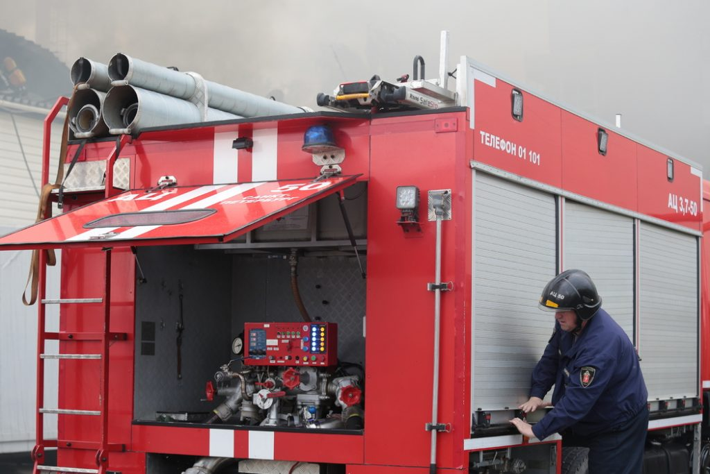 В Ленобласти пожар на лакокрасочном заводе