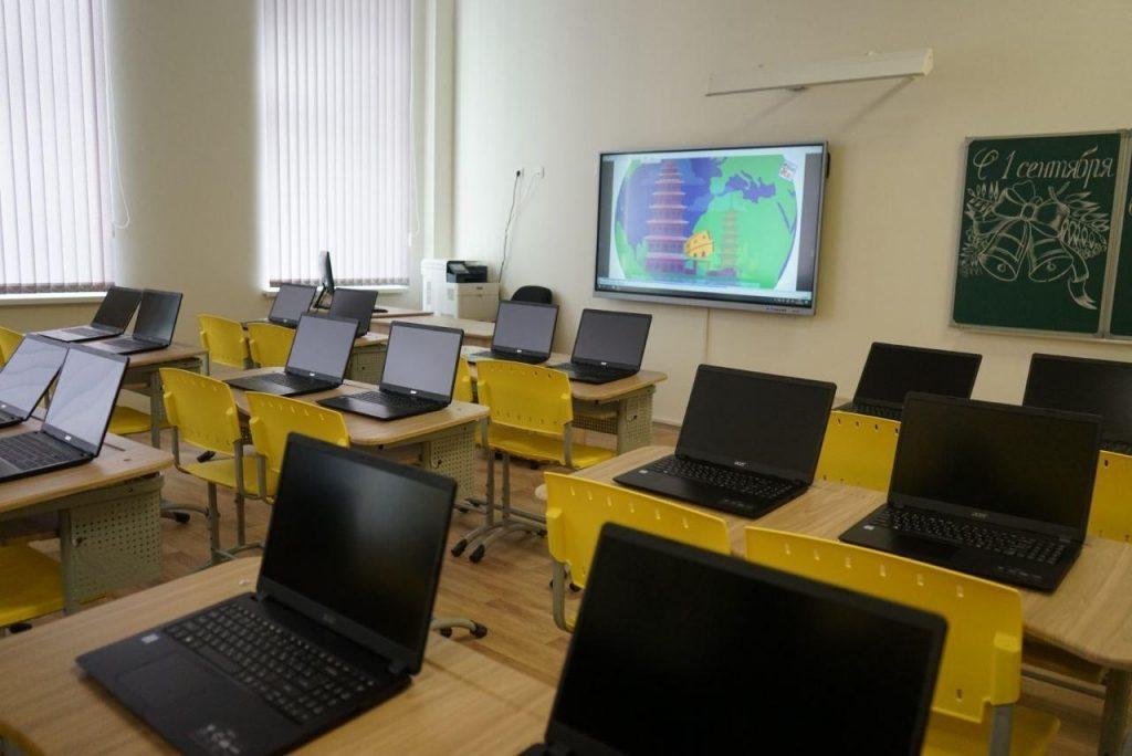 После выходных в Петербурге в школы вернулись более 10 классов, находившихся на карантине