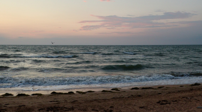 Бурение скважин в Азовском море для добычи пресной воды для Крыма начнут в июле