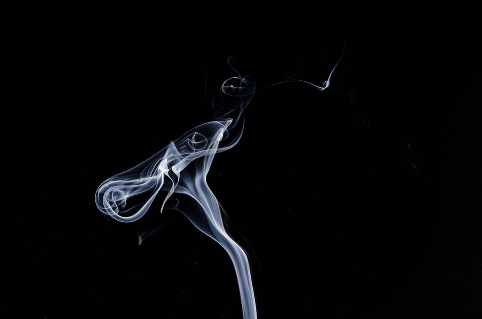 В России начал действовать запрет на курение кальянов в ресторанах и кафе
