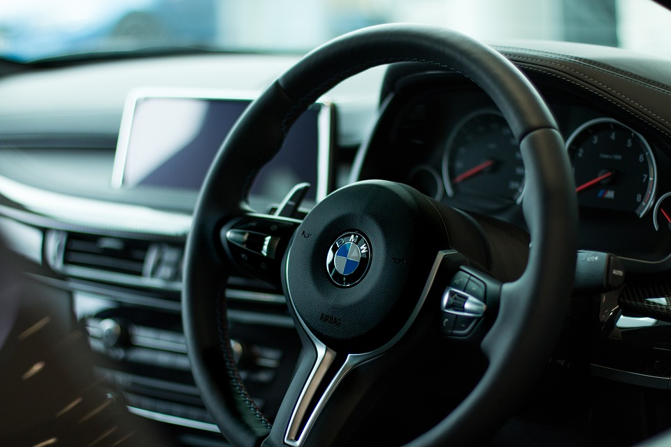 В Санкт-Петербурге и Ленобласти продажи премиальных автомобилей выросли на 5%