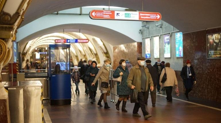 Масочный режим в транспорте Петербурга соблюдают 80% пассажиров